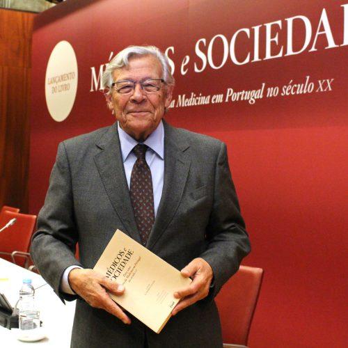 António Barros Veloso apresentou obra sobre a história da Medicina em Portugal no século XX