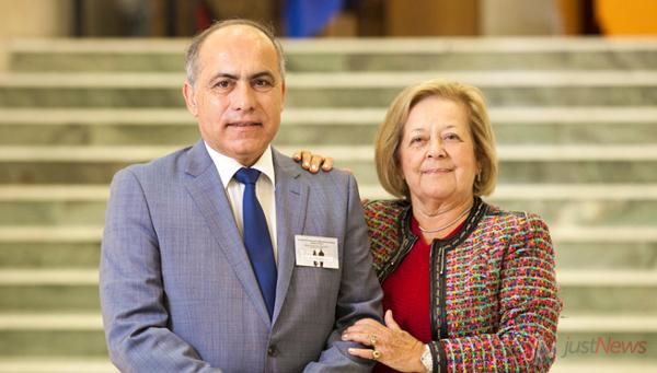 Helena Saldanha com Manuel Teixeira Veríssimo, durante uma edição do Curso Pós-Graduado sobre Envelhecimento (Coimbra).