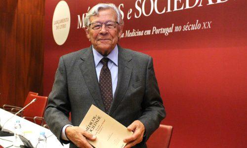Barros Veloso recebe doutoramento Honoris Causa pela Universidade NOVA de Lisboa