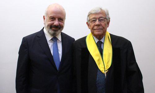 Internista António de Barros Veloso distinguido pela UNL com o título de Doutor Honoris Causa